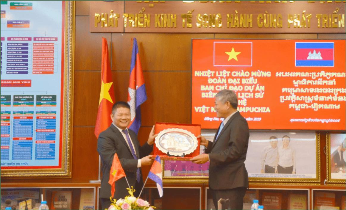 Đoàn Campuchia thăm và làm việc tại Trường Cao đẳng Lê Quý Đôn